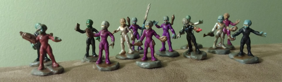 A set of 13 painted Reaper Bones Gray Alien miniatures painted by Kaihaku.