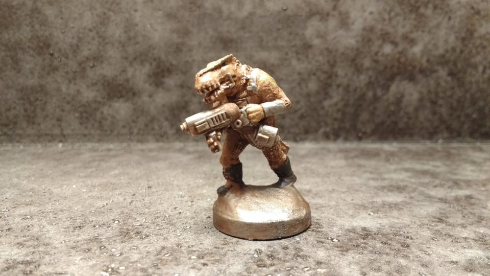 Painted Garn Warrior from Khurasan Miniatures viewed from the front.