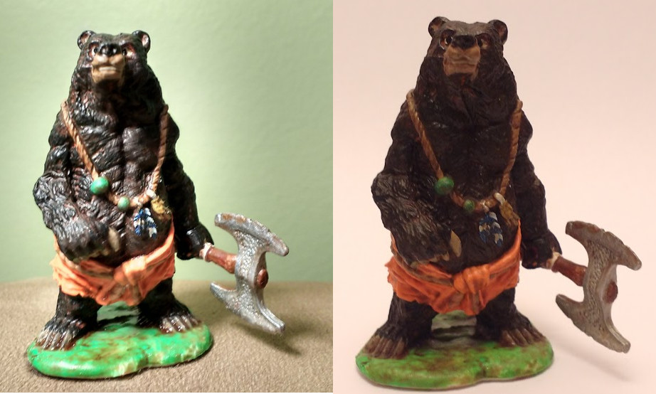 A Werebear miniature from the Reaper Bones line. Comparsion between pictures taken in and out of a photobox.