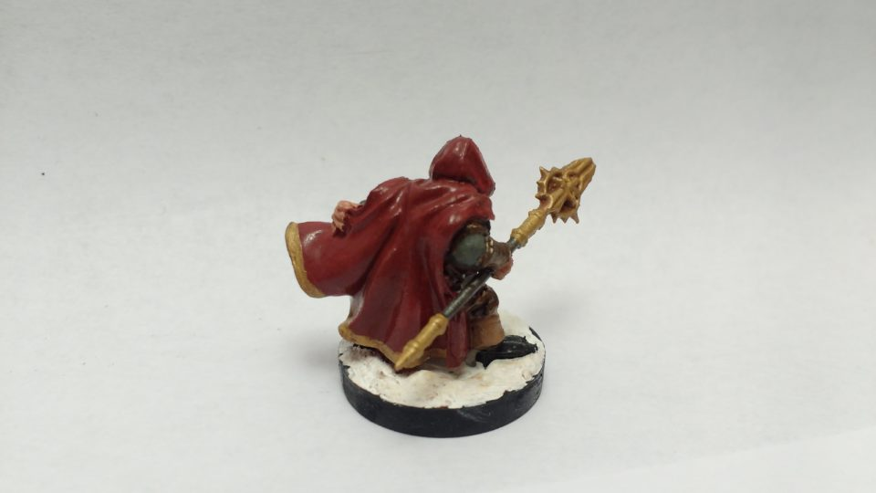 The Klaus Copperthumb Dwarf Rogue miniature from Reaper Bones. Viewed from the back.